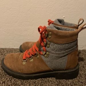 Women's Toms Hiking Boots Size 7